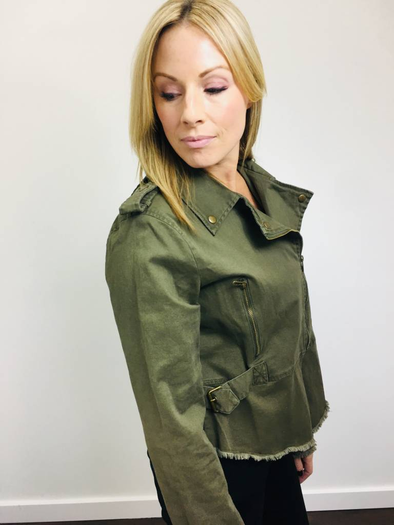 Fate Utility Jacket w/ Buckle Detail in Olive