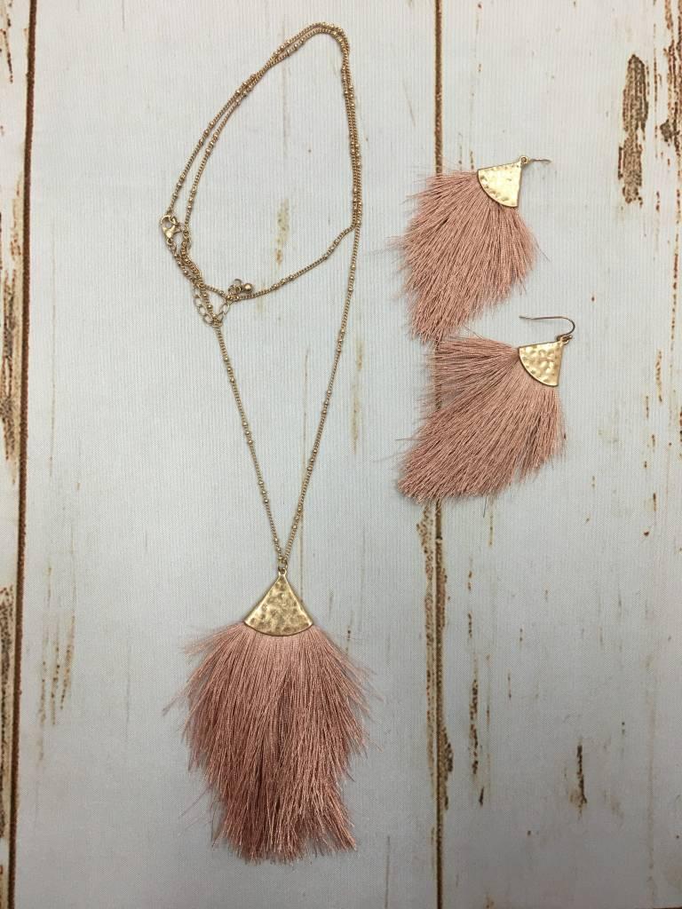 urbanista Fringe Necklace & Earring Set Dusty Pink