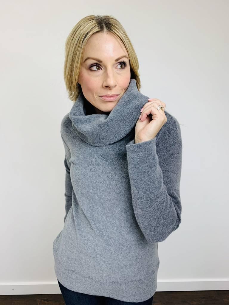 Bobi Cowl Neck Plush Fleece Pullover in Dark Gray