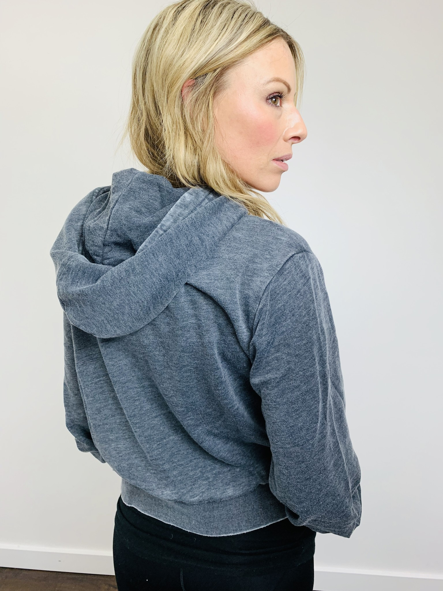 Alternative Claire Burnout French Terry Crop Pullover