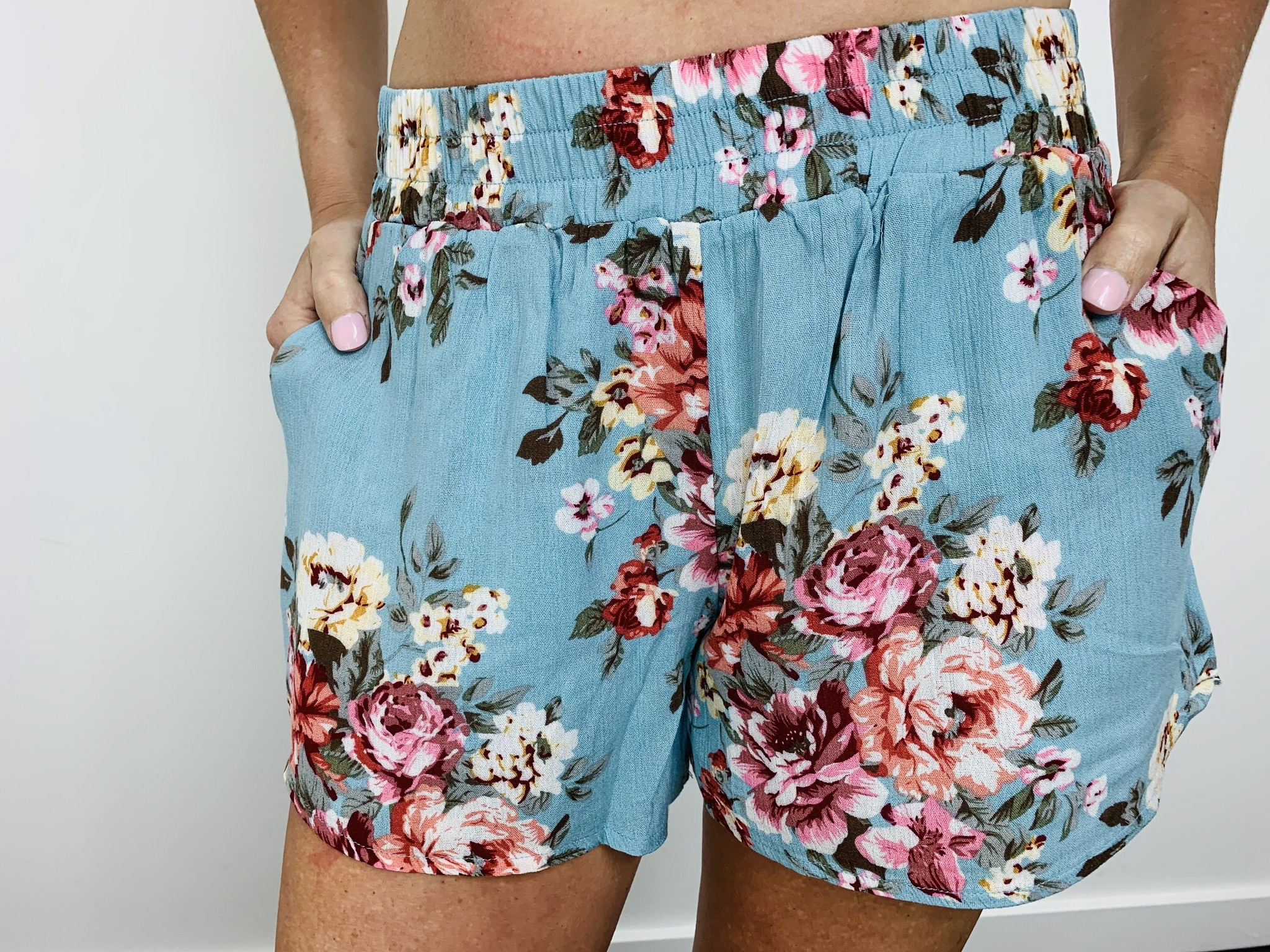 Orb Lana Short in Tropical Floral