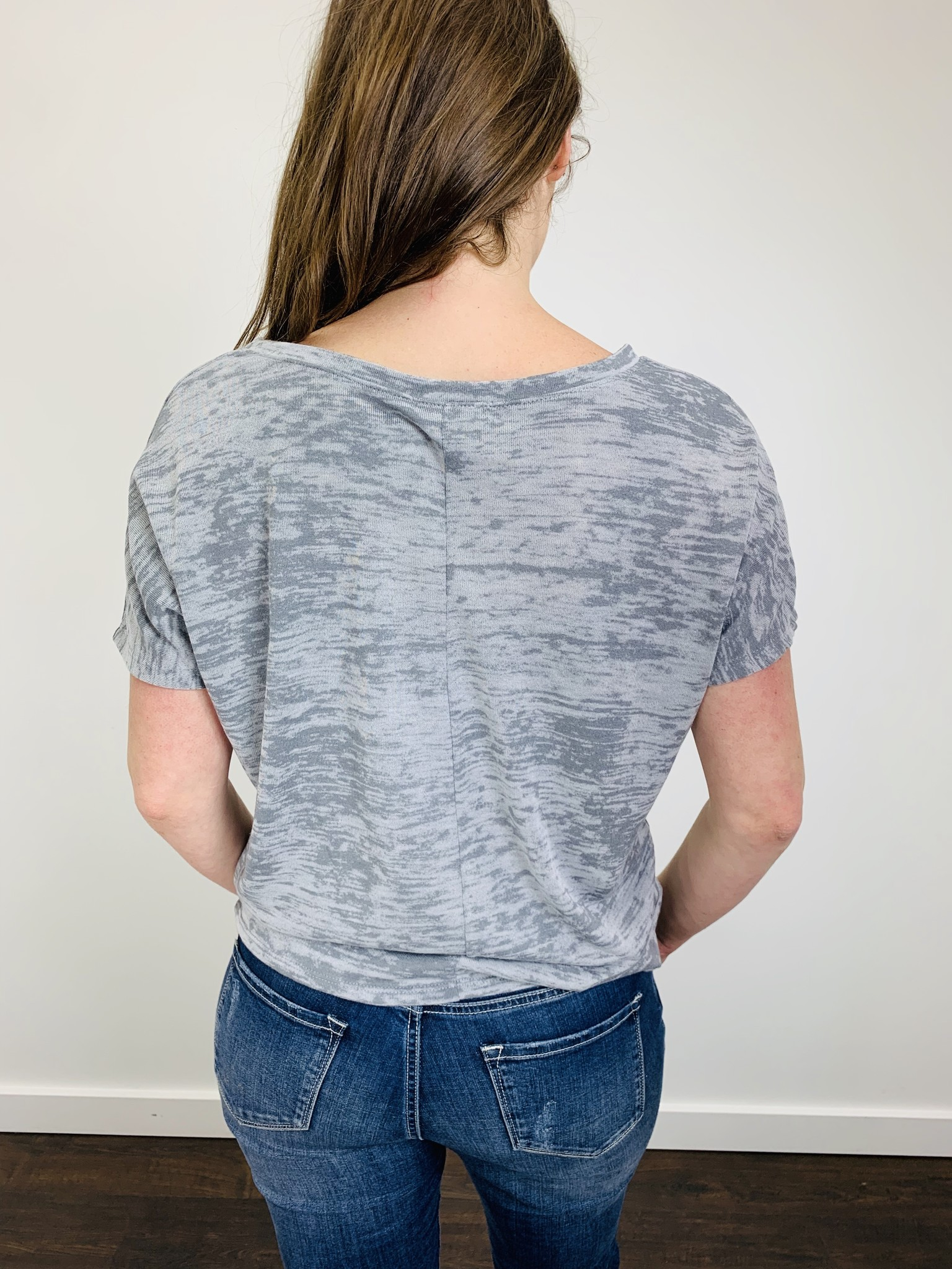 KLD Boxy Burn Out Tee in Gray
