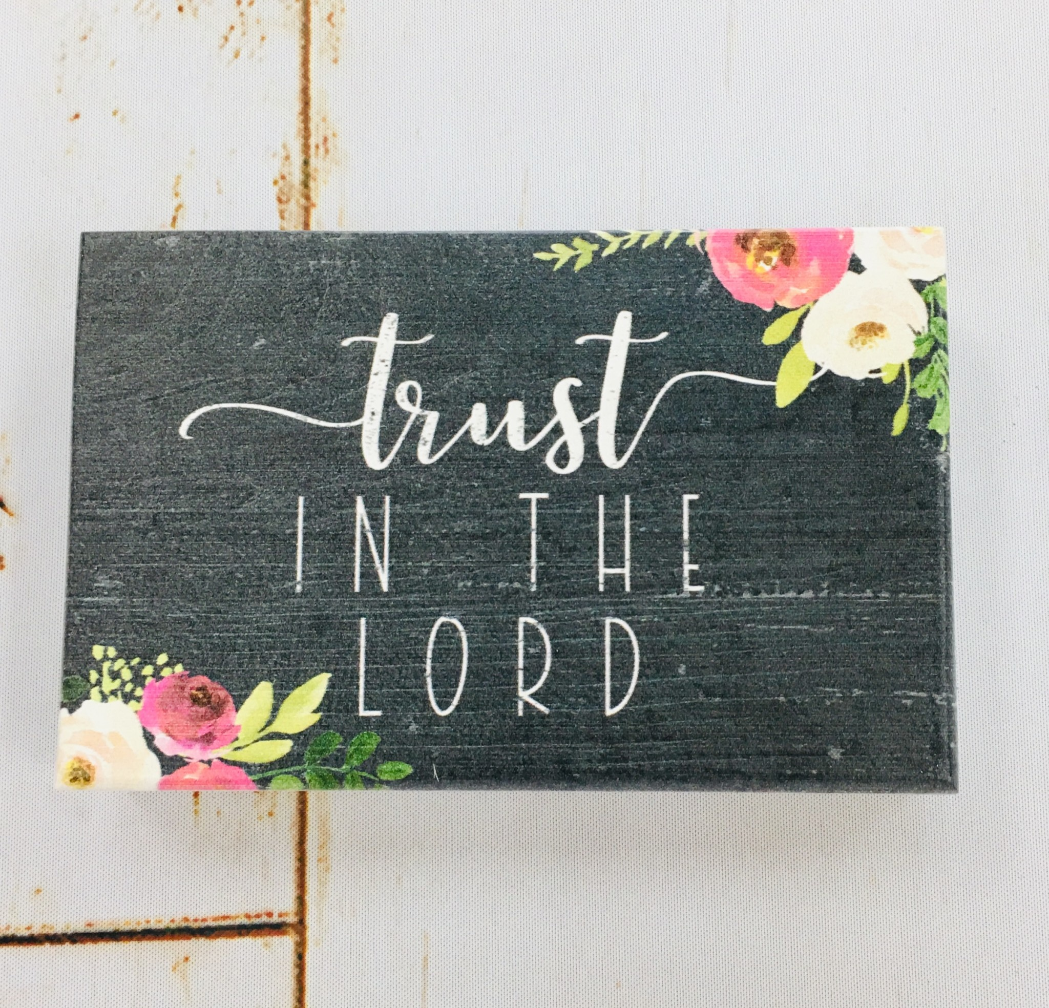 Sincere Surroundings Trust in the Lord