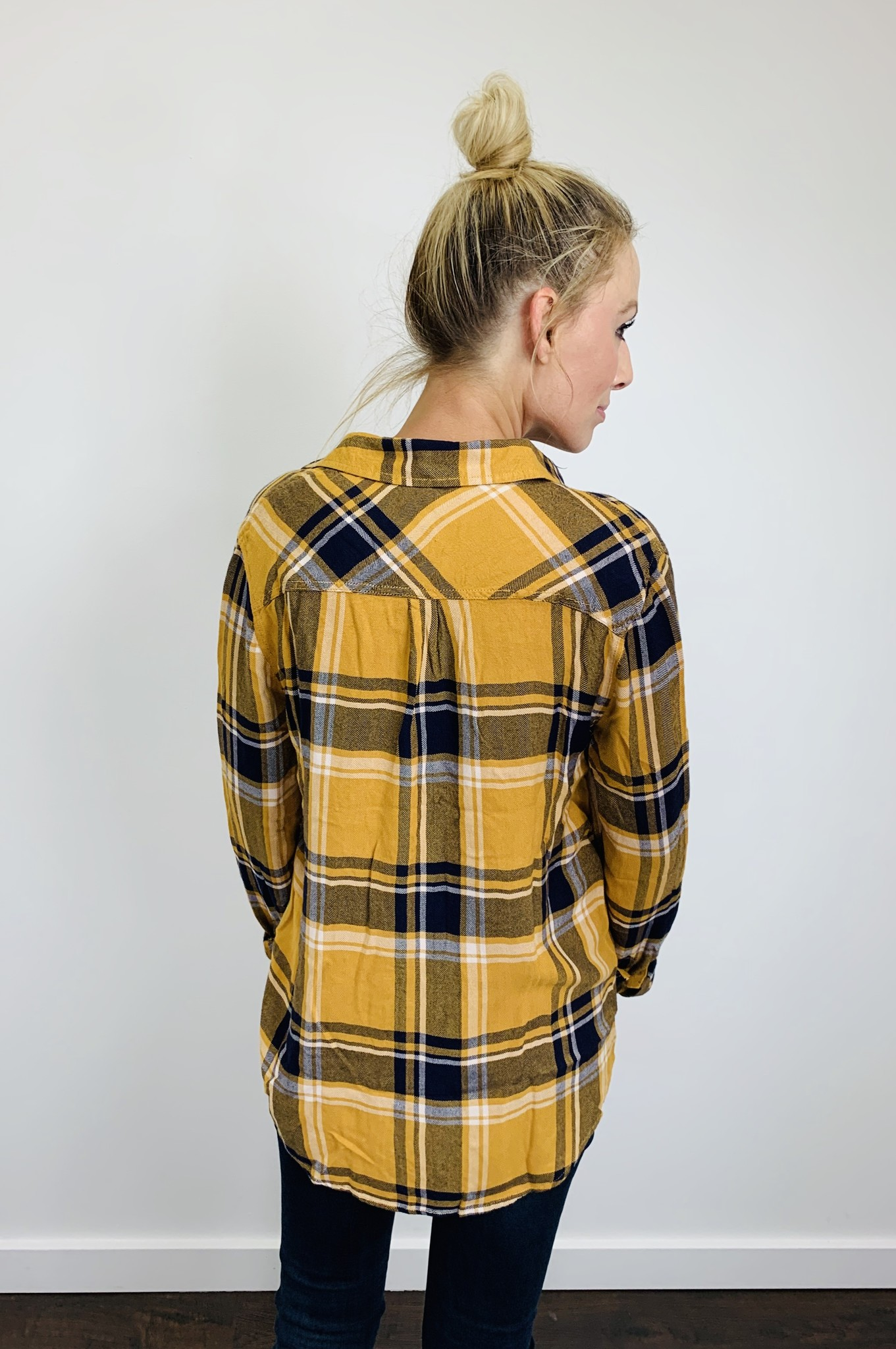 Beach Lunch Lounge Everyday Plaid Mustard