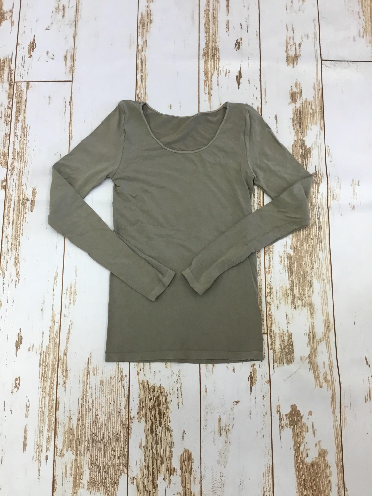 M.Rena Long Sleeve Top w/ Thumbhole in Sandstone