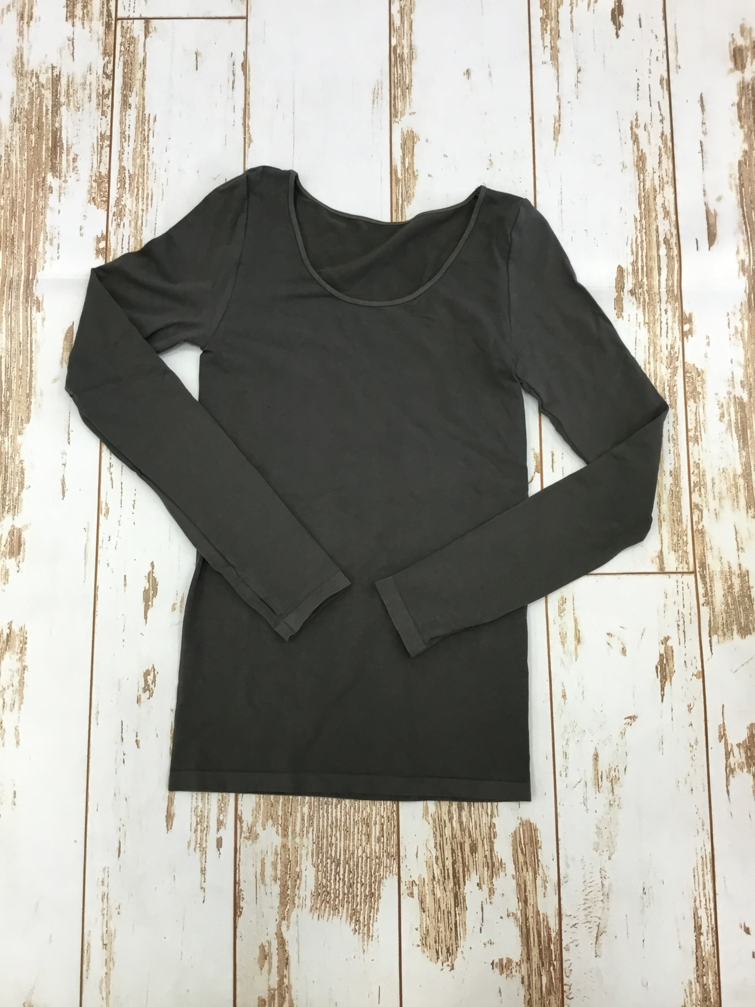 M.Rena Long Sleeve Top w/ Thumbhole in Dark Grey
