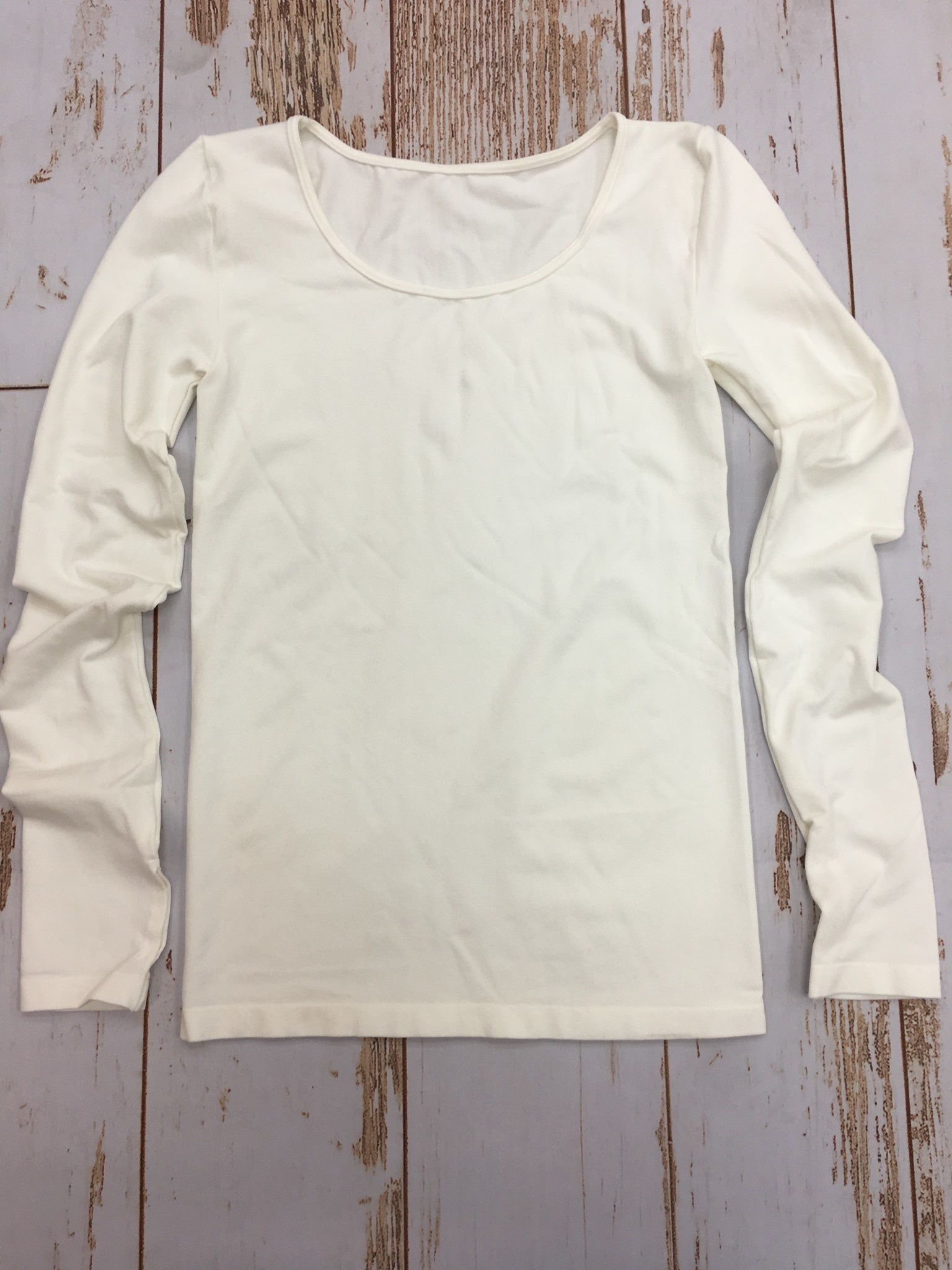 M Rena Long Sleeve Top w/Thumbhole in Off White