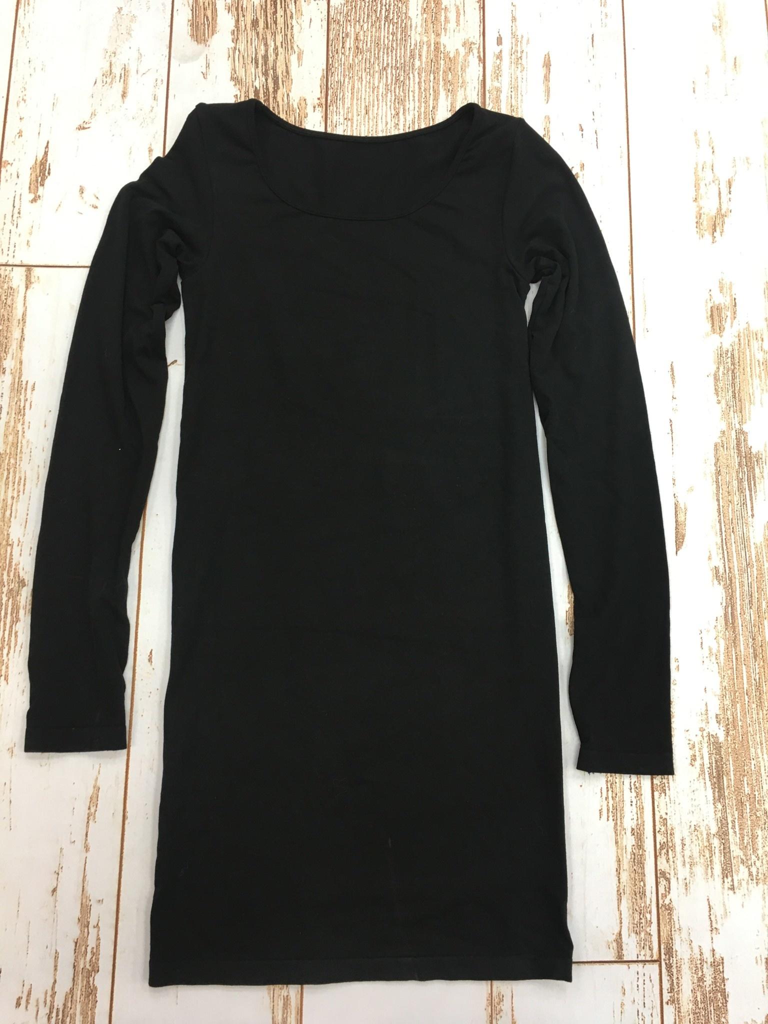 M Rena Long Sleeve Scoop Dress w/Thumbhole in Black