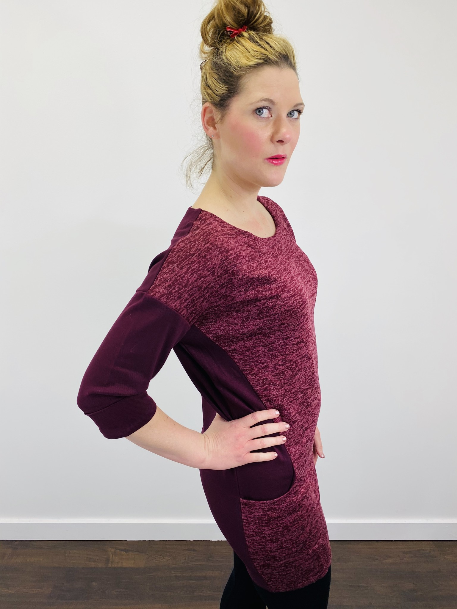 Papillon Heathered Front w/ Solid Side in Burgundy