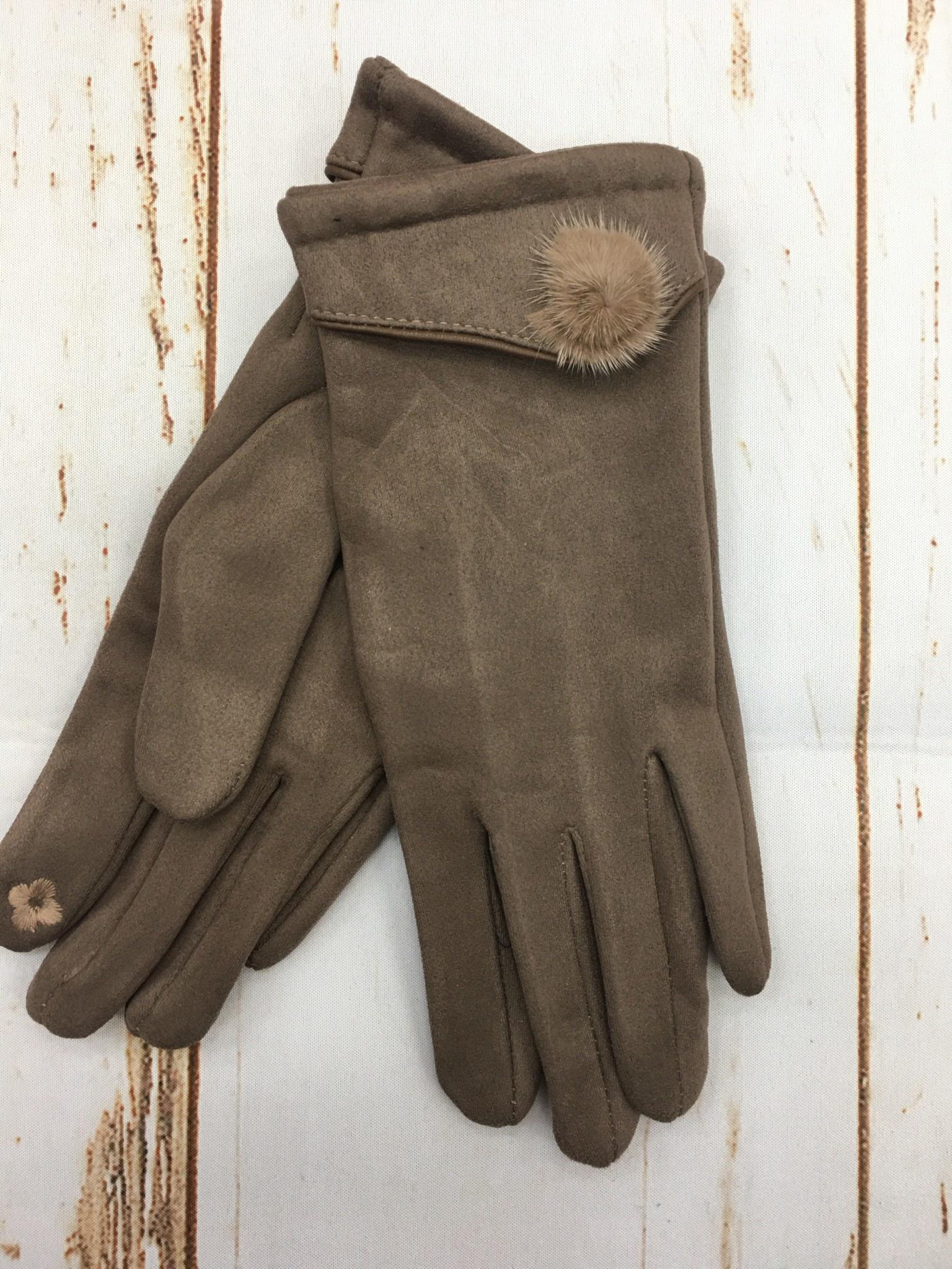 Top It Off Suede Glove W/Pom in Tan