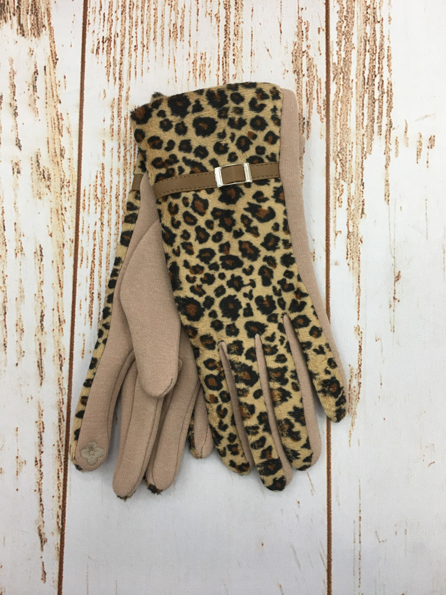 Top It Off Leopard Gloves