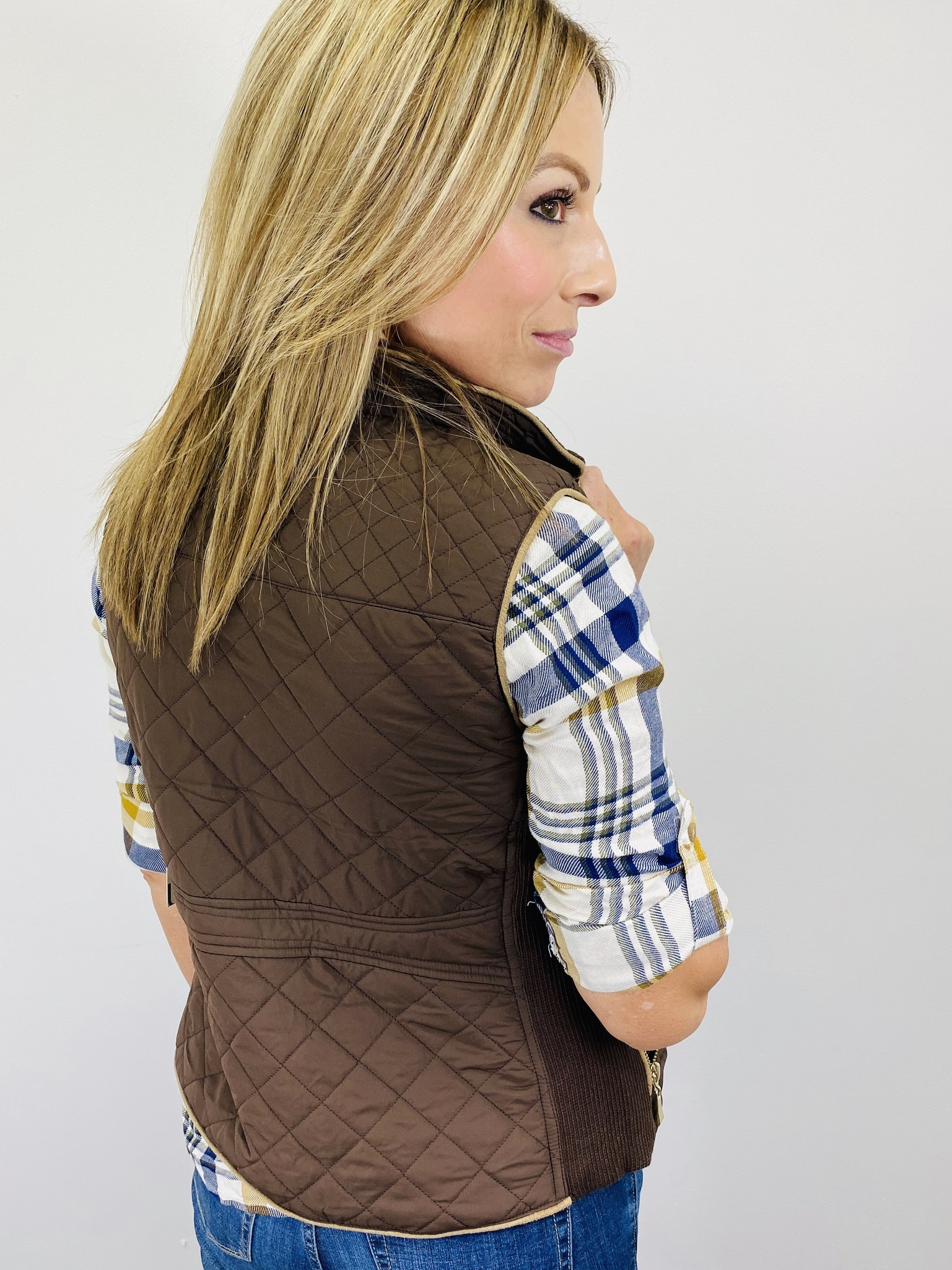 Active Basic Quilted Vest in Brown