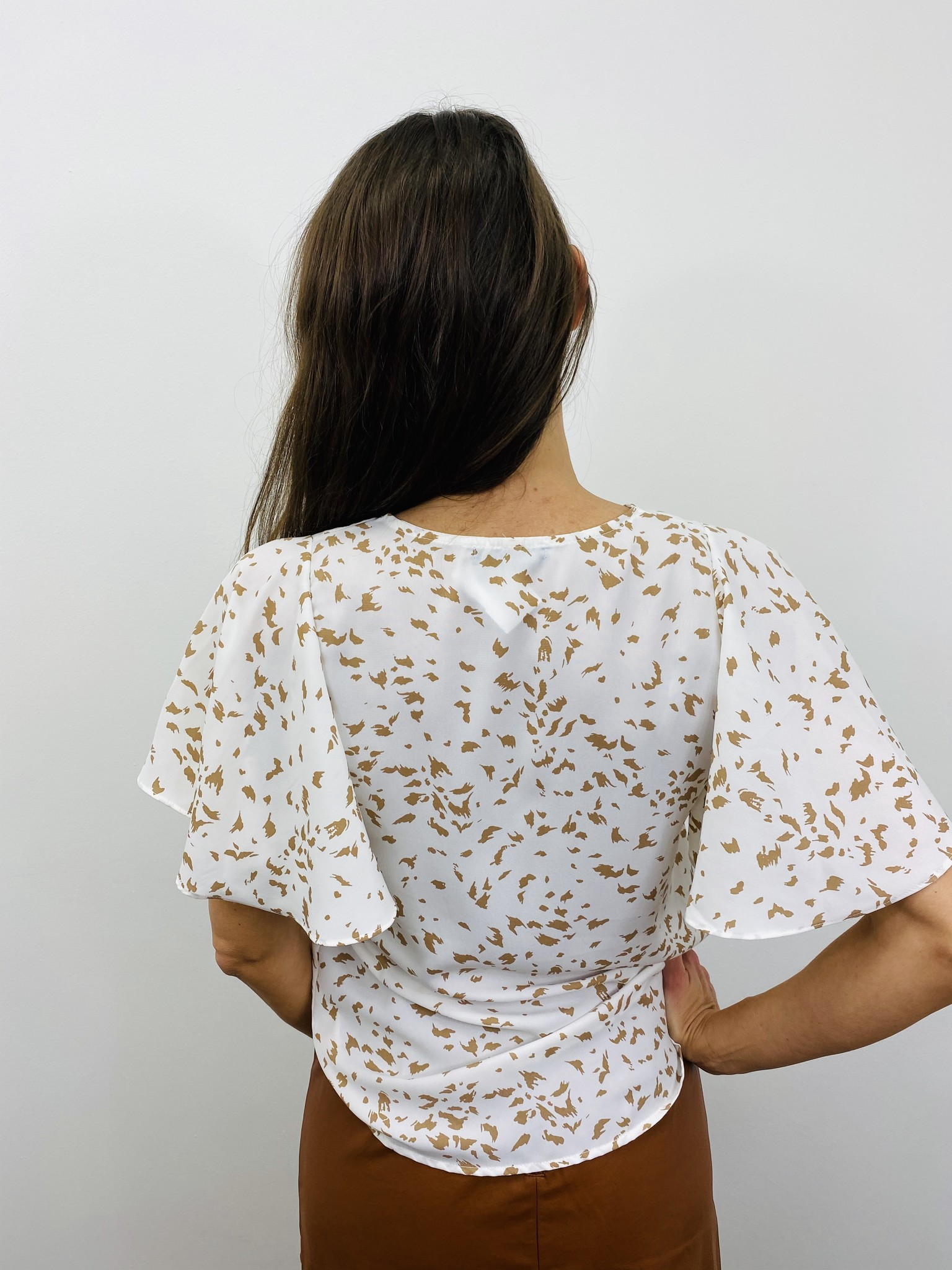 KLD Fluttered Sleeve Print Top