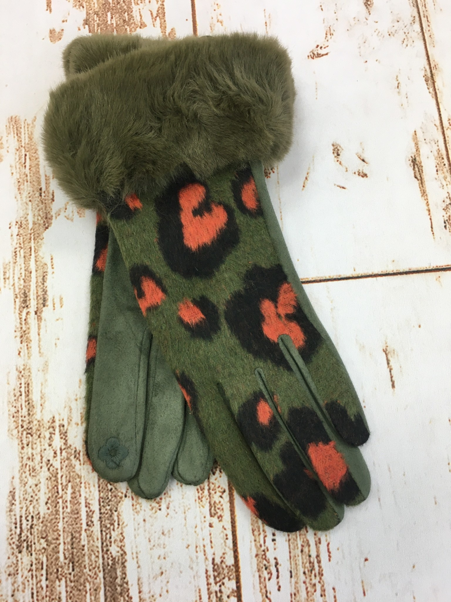 Accessories Now Green Leopard Felt Faux Fur Cuff Glove