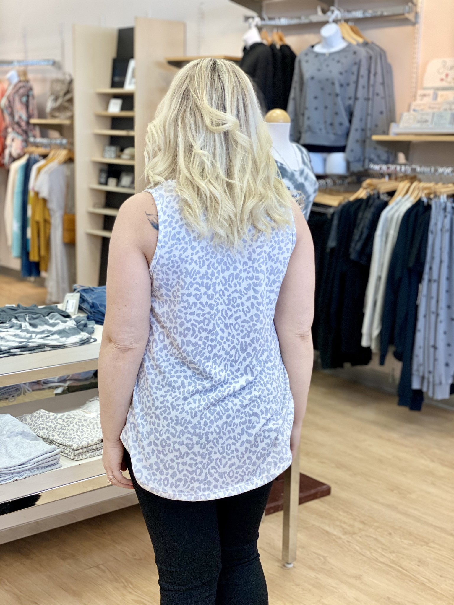Staccato Leopard Knit Tank in Silver