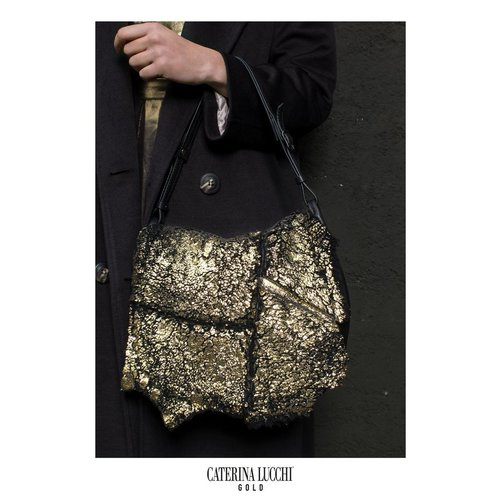 Caterina Lucchi Shoulder bag. Laminated Sheepskin + Calf leather. Black Gold.