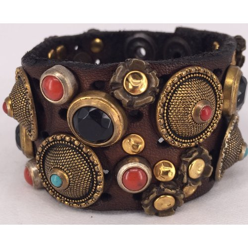 Campomaggi Leather Bracelet. Wide strap. Mixed studs. Moro