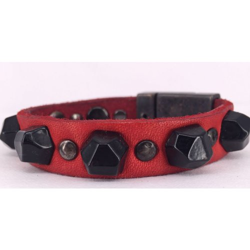 Campomaggi Leather Bracelet. Mixed studs. (E114 VL) Red.