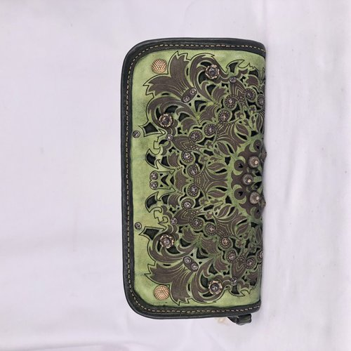 Campomaggi 100% genuine leather. Wallet. Bleached + Studs + Strass Laser Serenoa. Sage Green.