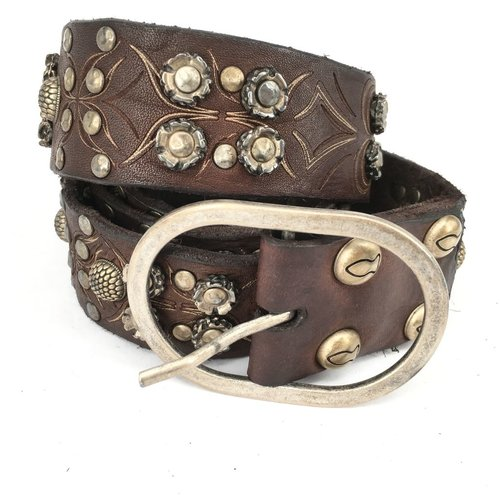 Campomaggi 100% genuine leather. Belt with many patterned studs. Moro. Size 90.