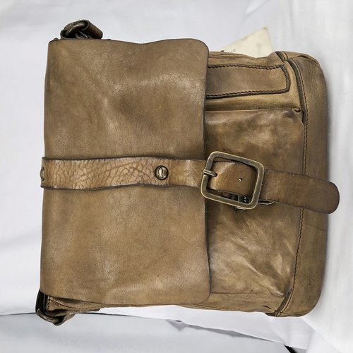 Campomaggi 100% genuine leather. Cross body bag. Medium. Military Green.