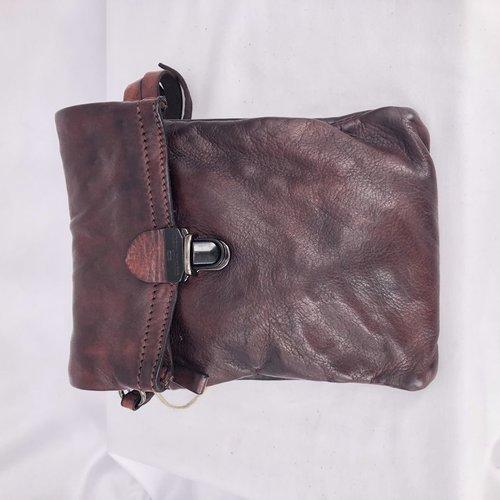 Campomaggi 100% genuine leather. Line GERANIO. Postman. Wine.