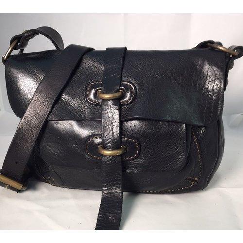 Campomaggi Cowhide Leather postman bag. Brass eyelets. Nero