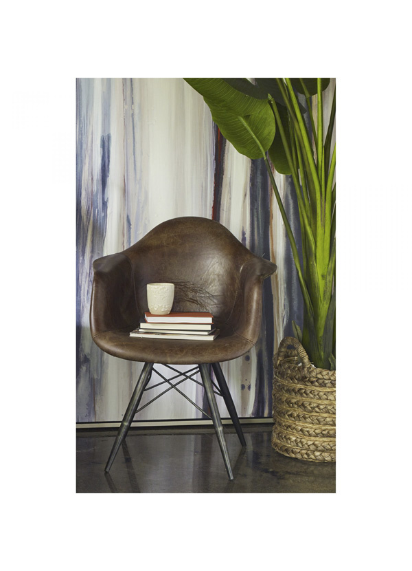 Moes FLYNN CLUB CHAIR - LIGHT BROWN