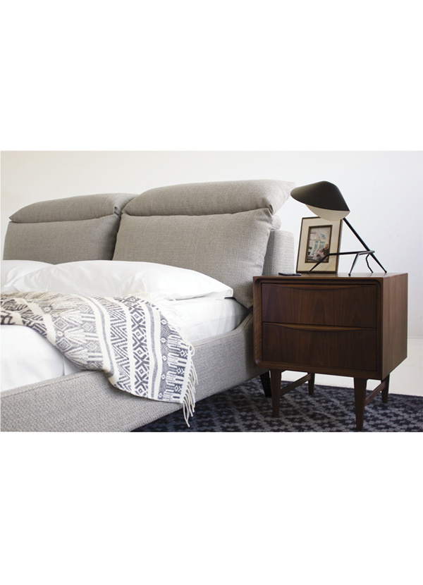 Mobital BED Queen CHILLOUT stone bouclé with black legs