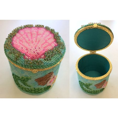 Limoges Box - Lg Round Scallop & Mermaid