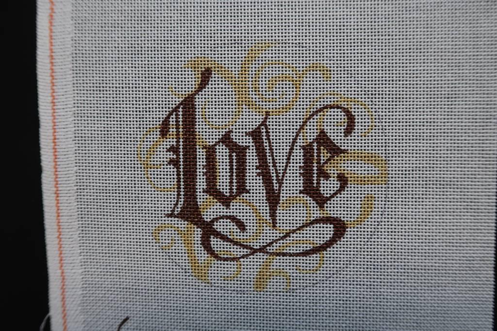 """4.5"""" Round Love"""