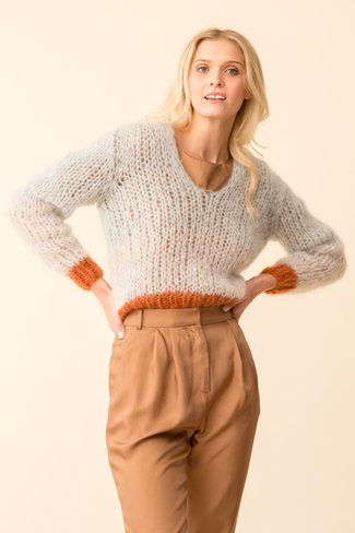 Maiami Maiami Mohair V-Neck Colour-Blocking Sweater