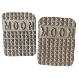 Mooneyes Moon Bolt-on-Brake Pad - MP4588M