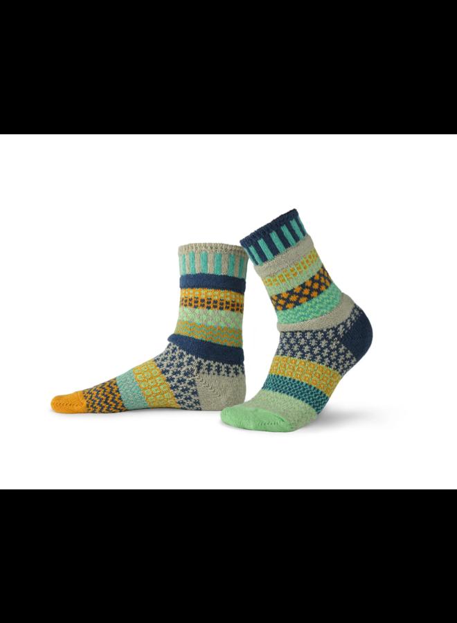 Aloe Adult Crew Socks