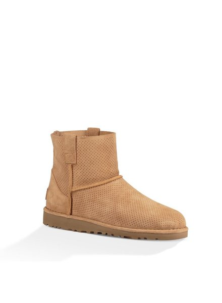 UGG / Classic Unlined Mini Perf