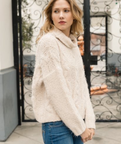 Turtle Neck Cropped Cable