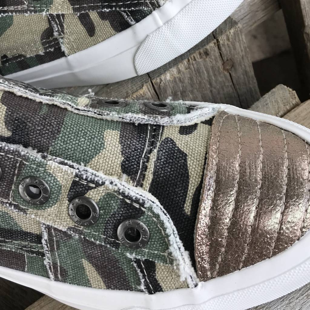 Play - Olive Washed Camo
