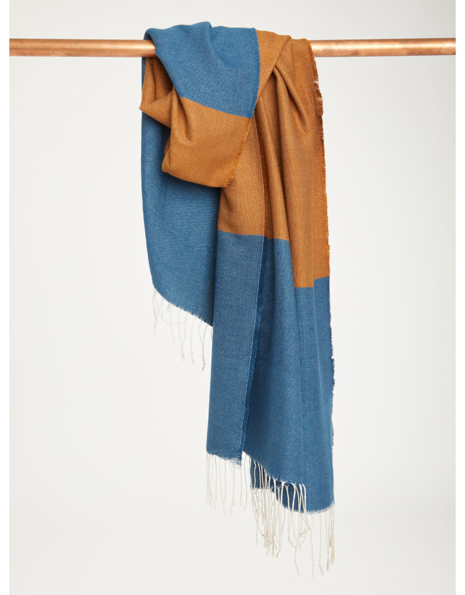 Thought Thought Linear Scarf