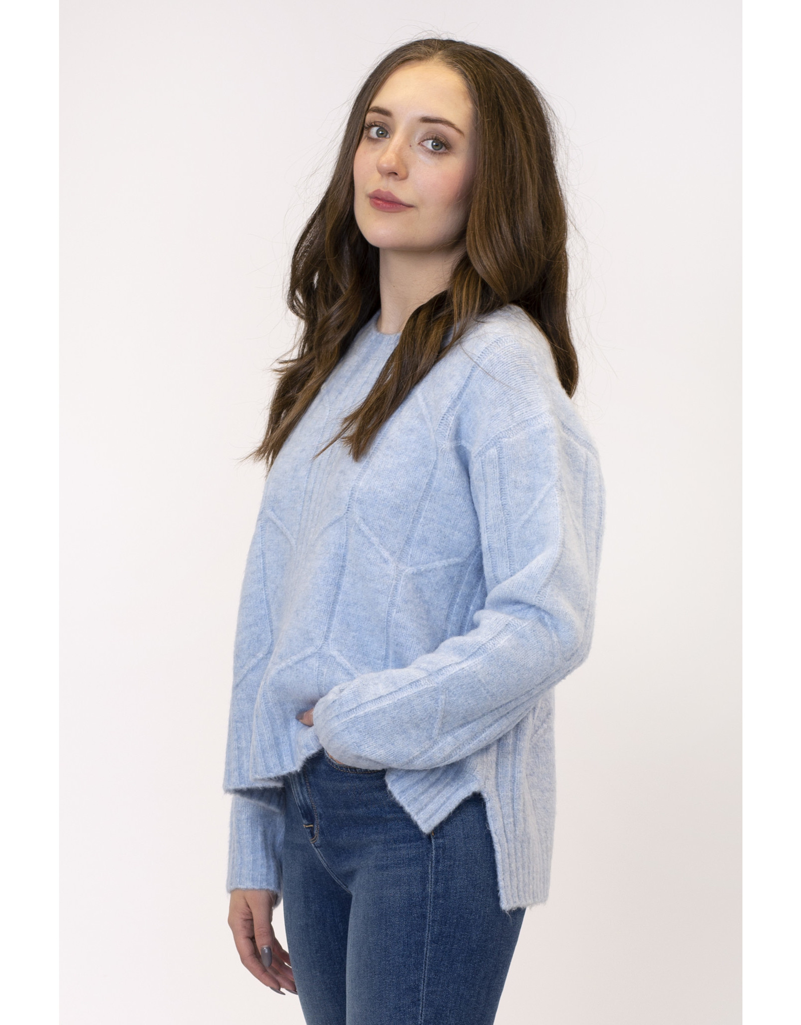 Lyla & Luxe Chrissy Textured Sweater