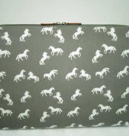 "15"" Lap Top Case - Grey Horse"