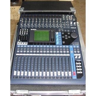Yamaha Yamaha 01V96 V2 Console Audio Numérique Avec Coffre  (Usagé)
