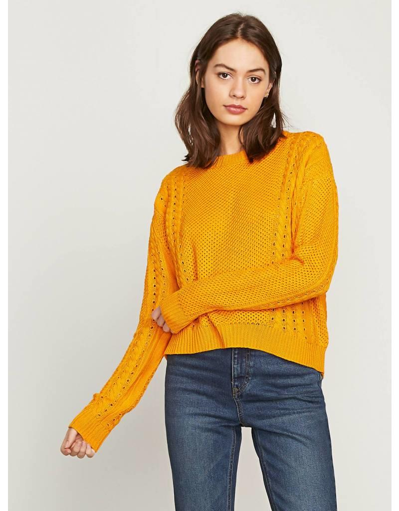 VOLCOM VOLCOM CABLE BODIED CREW SWEATER GOLD