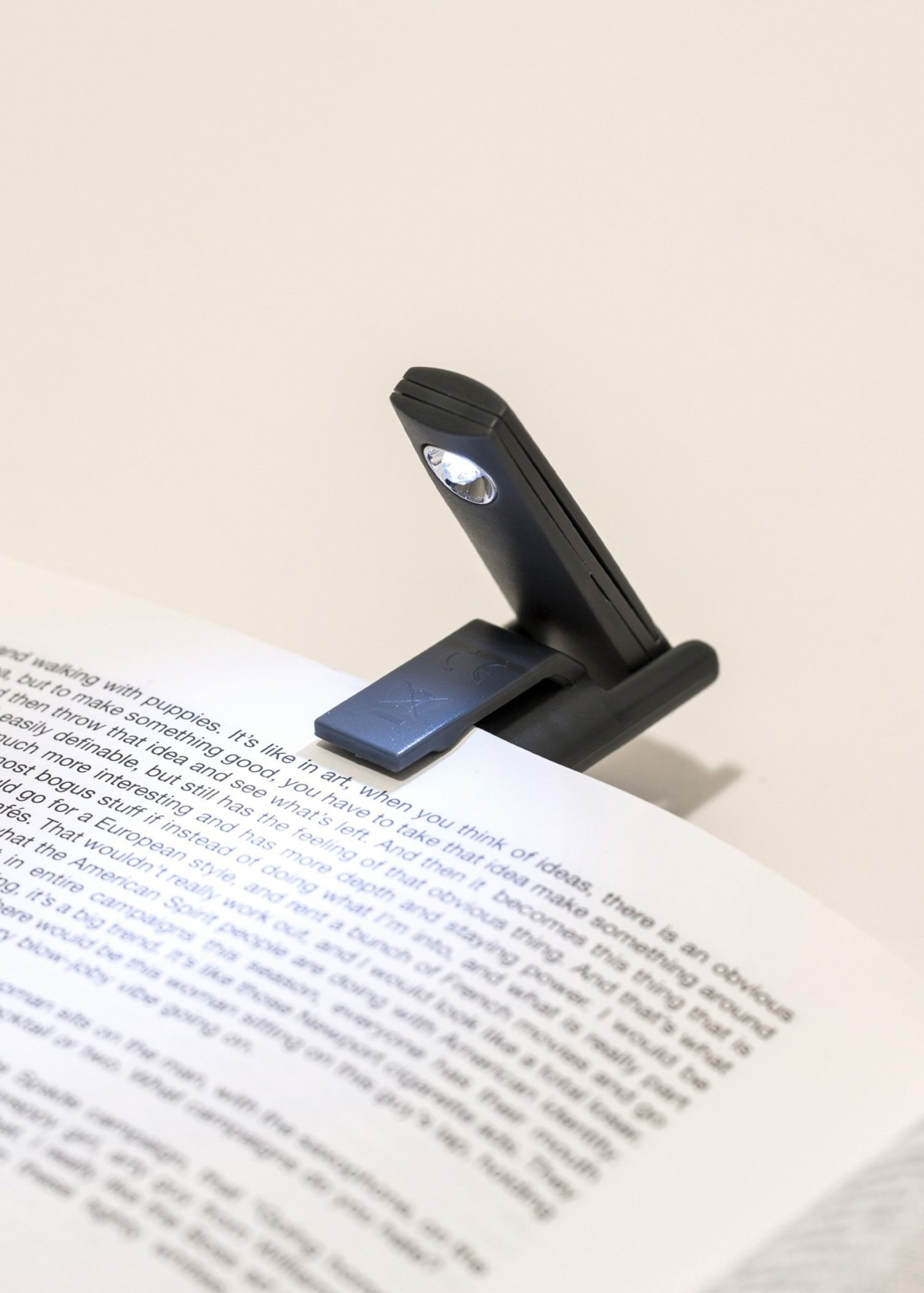 Kikkerland KIKKERLAND MINI FOLDING BOOK LIGHT