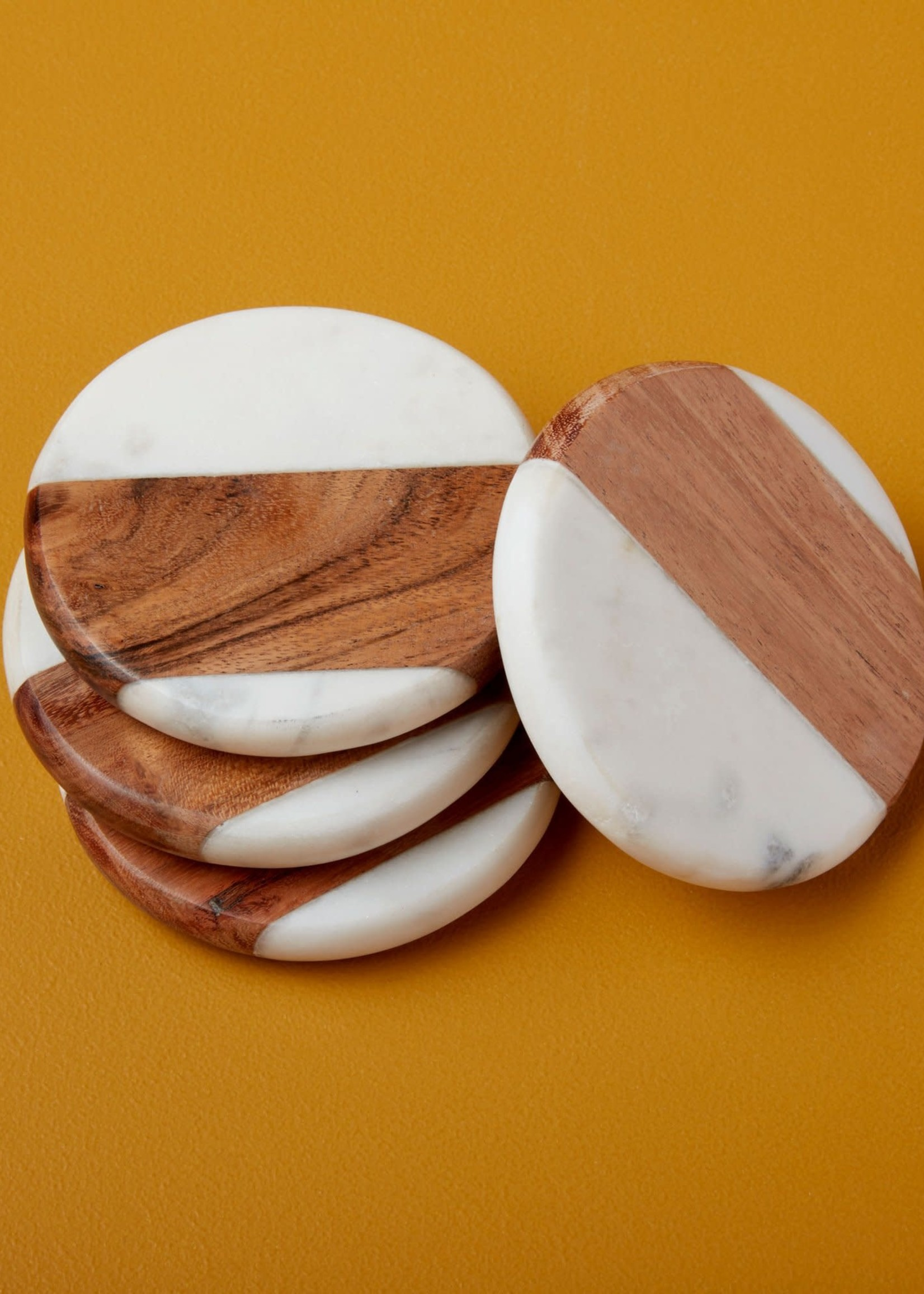 BE HOME BE HOME WHITE MARBLE & WOOD ROUND COASTER SET 4