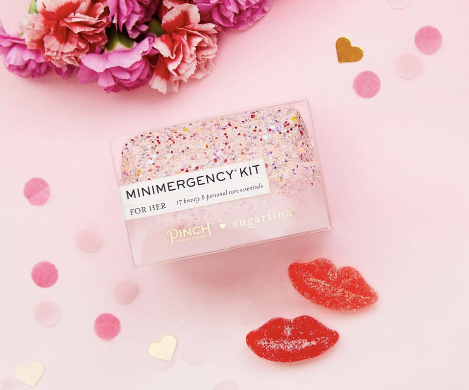pinch provisions Just For Her Minimergency Glitter Bomb x Sugarfina