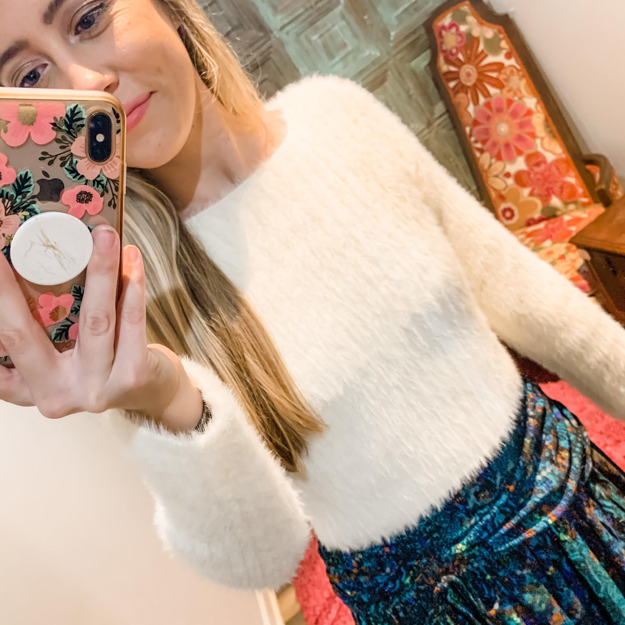 Envy Label Fuzzy Crop Sweater