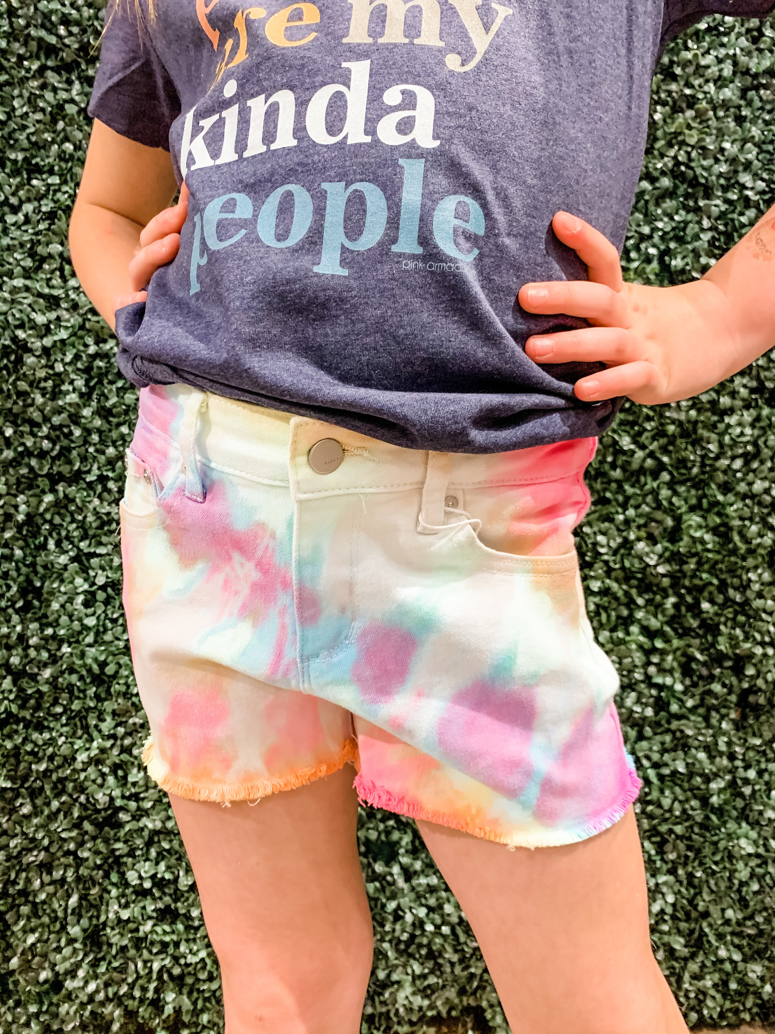TRACTR Bright Mid Rise Fray Shorts
