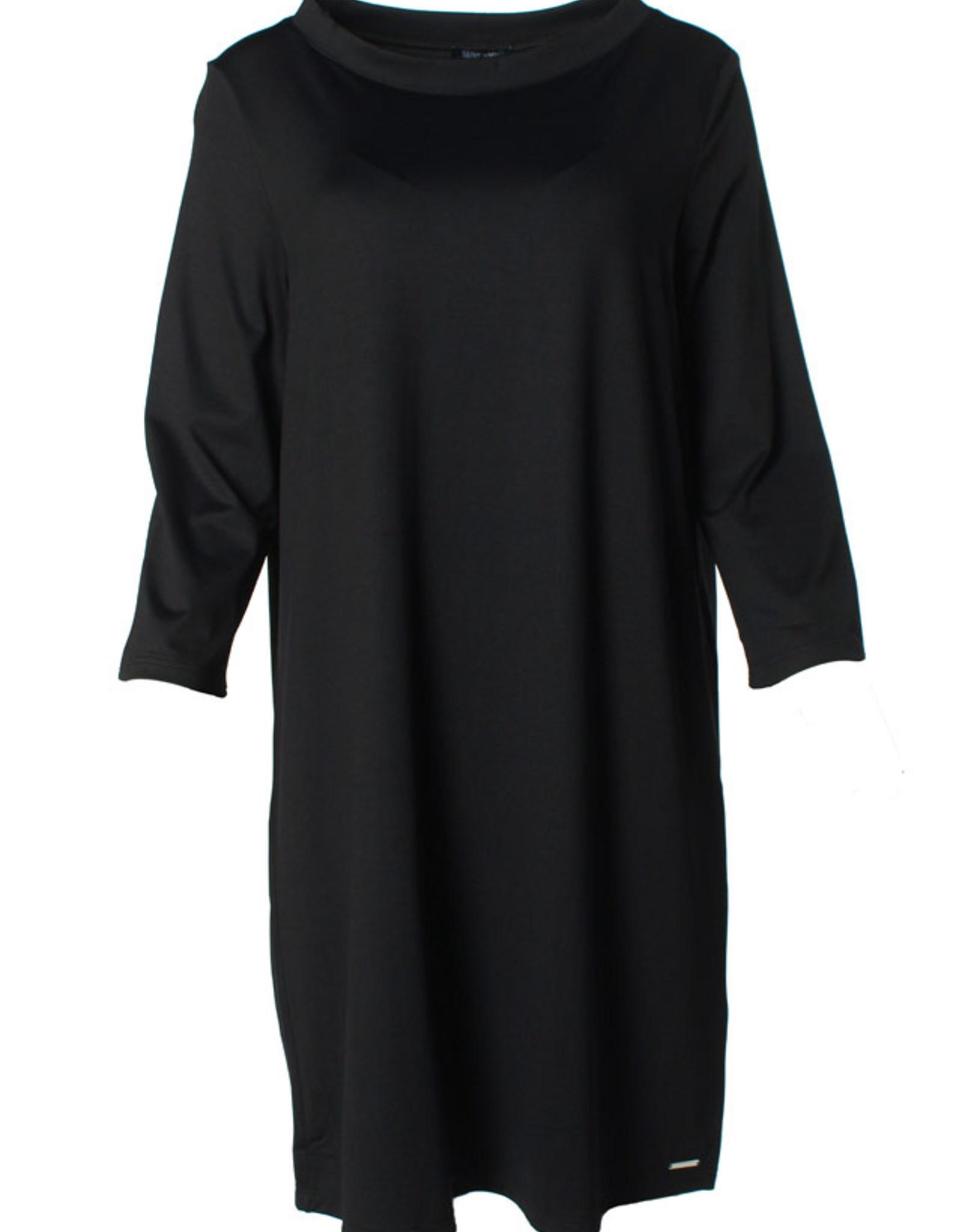Saint James Ales Robe