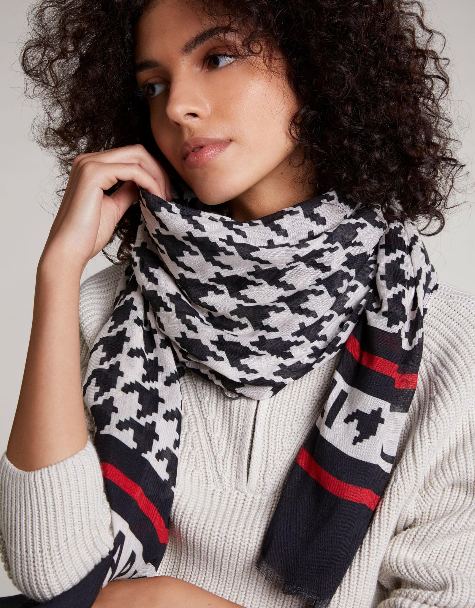 Ouí 71301 scarf