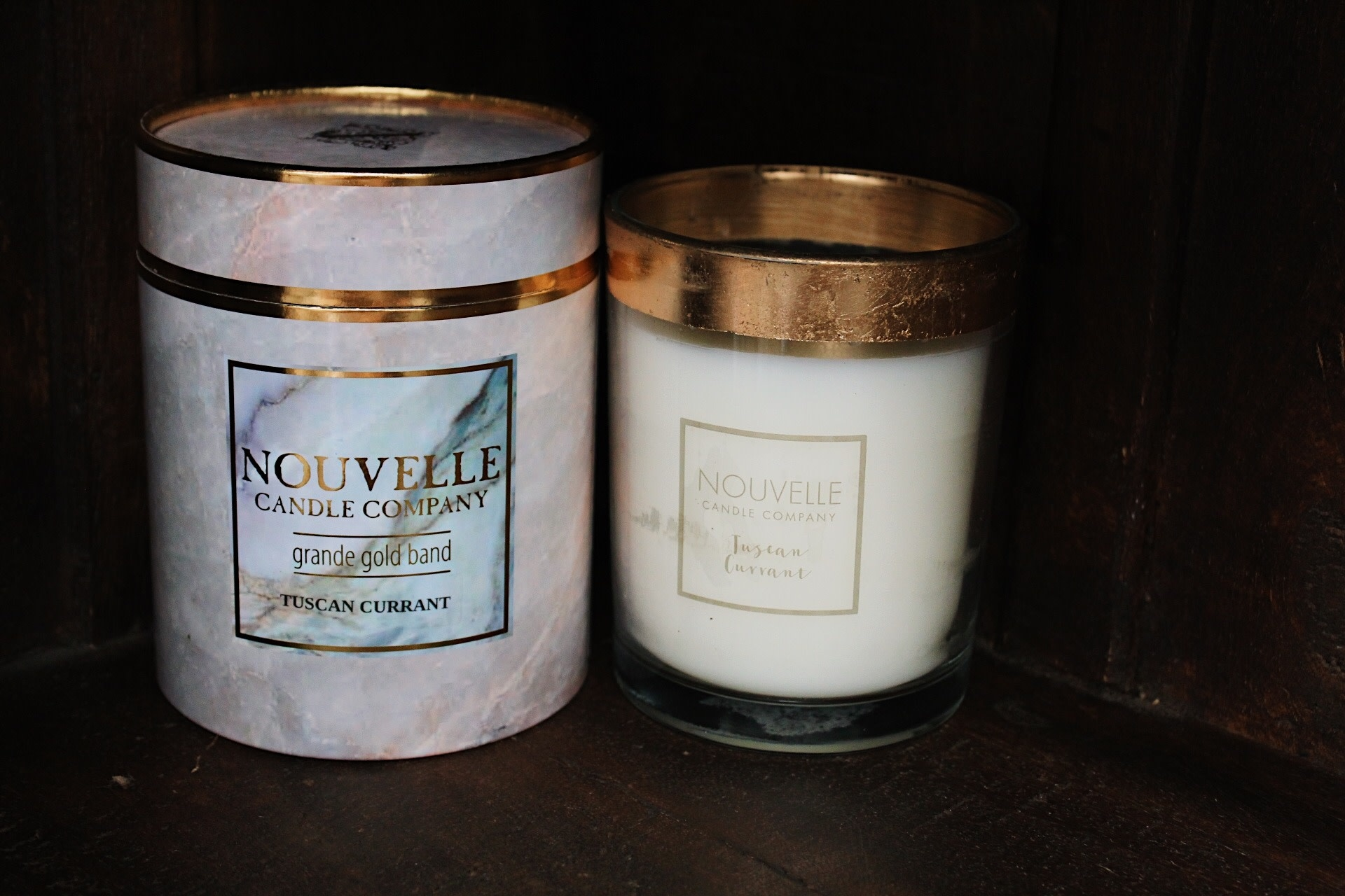 Nouvelle Candle Company Tuscan Currant Grande Gold Band